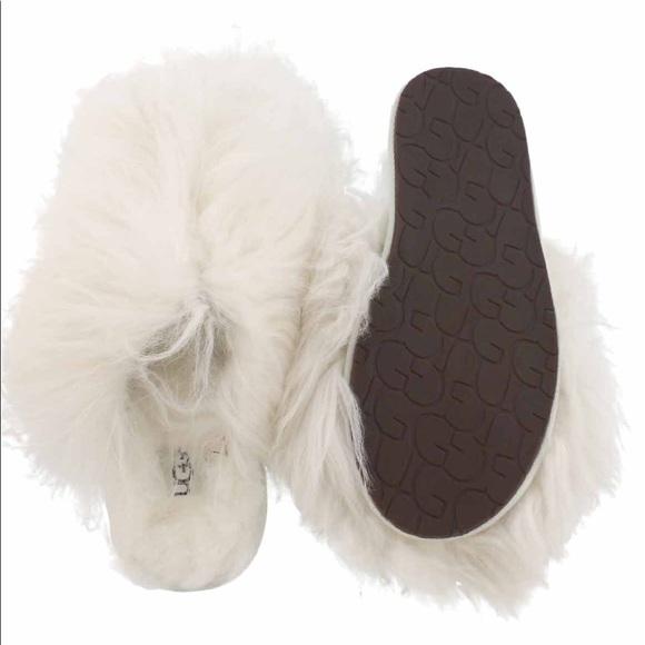 a7b92f2b37d Ugg Fluff Momma Mongolian Clog Slippers NWT